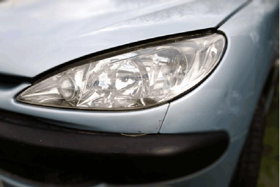 Remplacer le phare de Peugeot 206